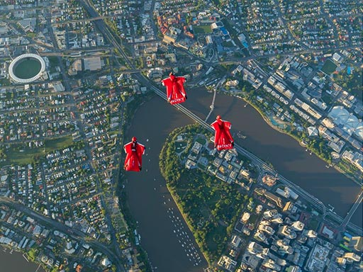 news_iconic-wingsuit